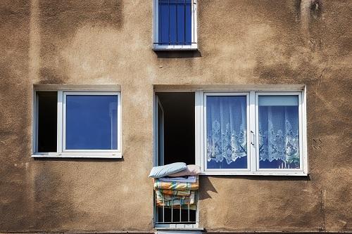 une fenêtre PVC sur Paris